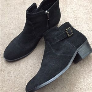 Steve Madden ankle bootie. Size 8.5.